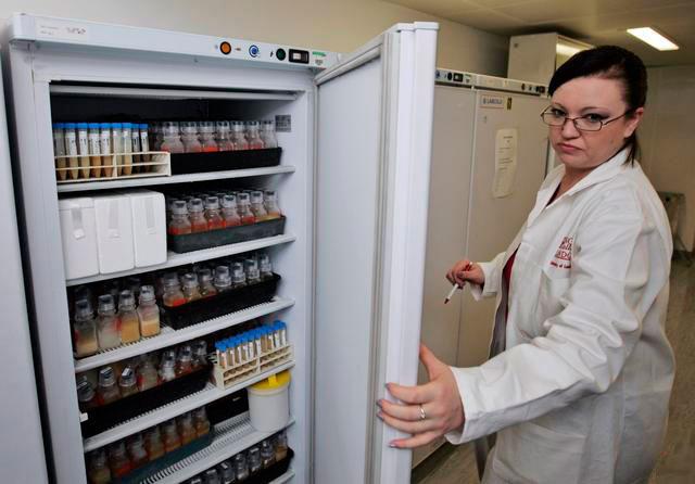Анализы урины в холодильнике